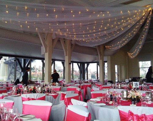 vign_ceiling_canopy_fairylights_wedding_sydney_the_sebel_pier_one - Tenture Mariage Lumineuse